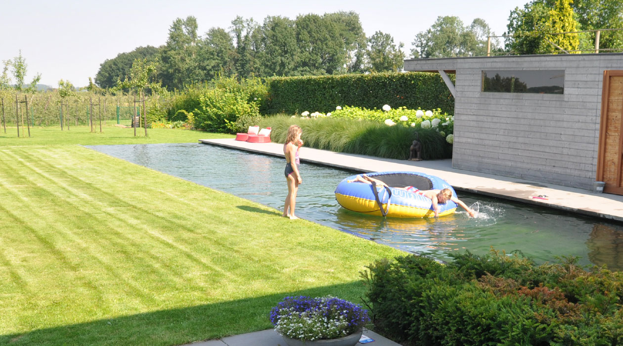 Moderne zwemvijver